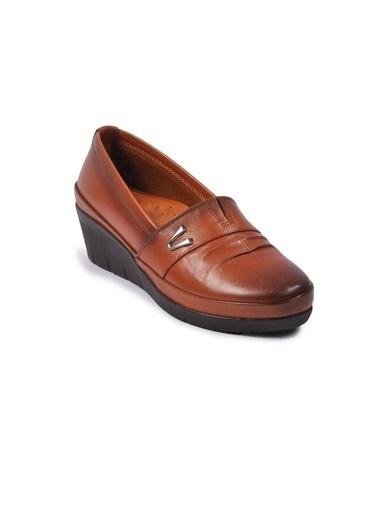 Ayakmod 244 Siyah Kadın Hakiki Deri Günlük Ayakkabı Taba